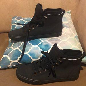 Tommy Hilfiger men shoes size 10M